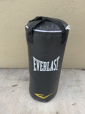 Everlast punching bag 40 lb for Sale in Garden Grove, CA