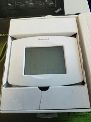 Honeywell WiFi thermostat RTH8500 for Sale in Kirkland, WA