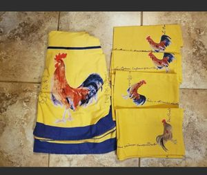 French Country Roosters Chickens Round Tablecloth, 4 Napkins for Sale in Willow Spring, NC