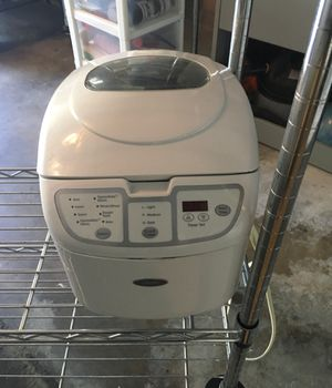 Bread maker with manual - pickup by science center for Sale in Orlando, FL