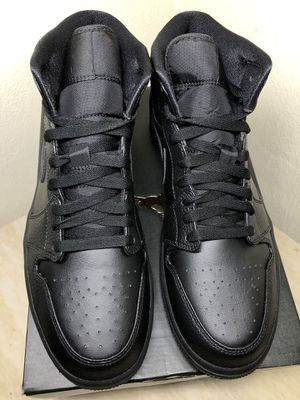 Jordan 1 Mid Triple Black for Sale in Ontario, CA