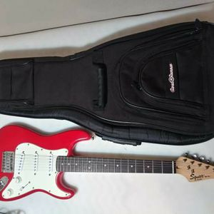 🎸Fender/Squier Mini Stratocaster Electric Guitar with Padded Road Runner Gig Bag In Excellent Condition!🎄 for Sale in Bixby, OK
