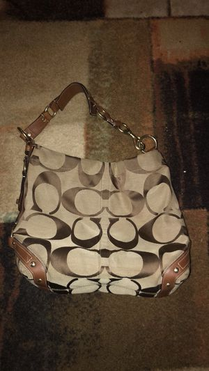 Coach large shoulder bag for Sale in Gambrills, MD