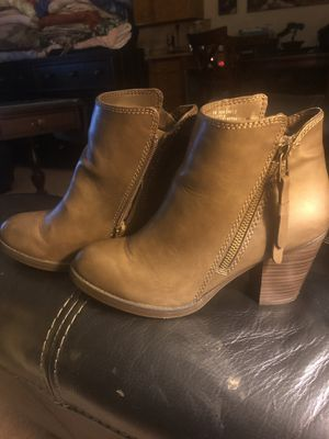 Women's size 6 boots for Sale in Vancouver, WA