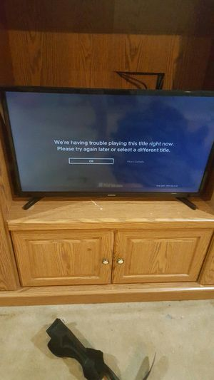 Samsung smart tv 28 inch for Sale in Cleveland, MS