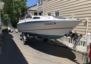 19.5 bayliner (boat) doesn't run for Sale in New Haven, CT