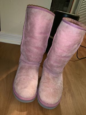 Authentic Pink Ugg's for Sale in Key Biscayne, FL