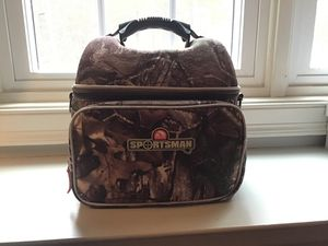 Igloo Sportsman Realtree 12 can cooler/lunch box. Got this a while ago. Brand New never used for Sale in Burlington, CT