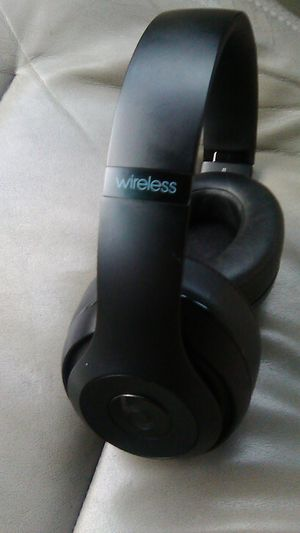 All black studio wireless beats by dre for Sale in Tacoma, WA