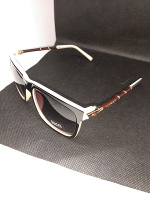 Gucci sunglasses for Sale in Lemay, MO