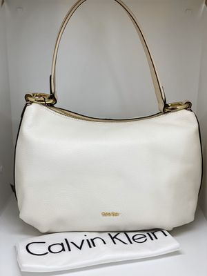 CALVIN KLEIN HOLLY PEBBLE LEATHER HOBO BAG💥NWT💥 for Sale in Orlando, FL