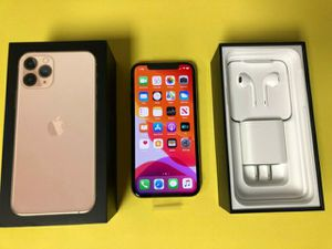 Iphone 11 pro max for Sale in Cleveland, OH