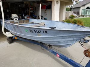 12 ft. Aluminum Boat with Trailer for Sale in Ripon, CA