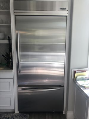 Beautiful Kitchenaid refrigerator with bottom freezer - make an offer! for Sale in Tustin, CA
