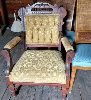 Antique queen Anne chair for Sale in Palmyra, PA