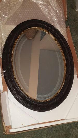 34 x 26 Oval Mirror for Sale in Biggs, CA