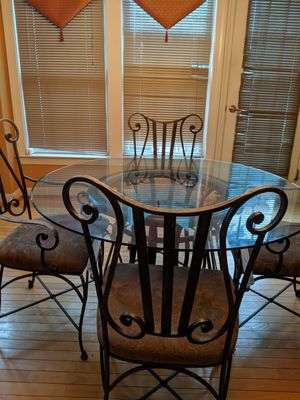 Kitchen Table for Sale in Glenarden, MD
