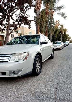 Ford Taurus automatic 2008 clean title for Sale in Culver City, CA