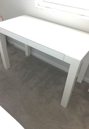 West Elm white glossy desk $600 for Sale in Delray Beach, FL