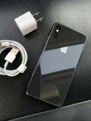 iPhone X - just like new, factory unlocked, clean IMEI for Sale in Springfield, VA