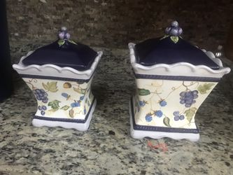2 Beautiful Jar . Cookies And Coffee Jar for Sale in Oakton,  VA