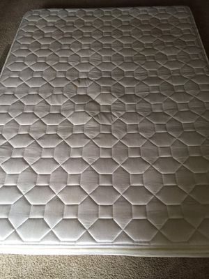 """Full size 6"""" spring mattress with free futon frame for Sale in Bloomington, IL"""