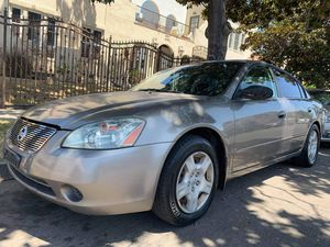 Vendo nissan altima 03 automátic $2300 for Sale in Los Angeles, CA