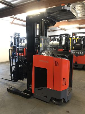 2017 Toyota Reach Truck Forklift for Sale in La Verne, CA
