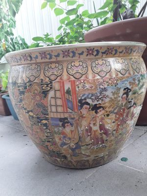 """China Flower pot 13""""x13"""" for Sale in Miami, FL"""