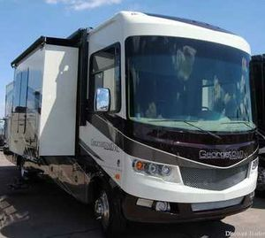 2016 Georgetown 37 Motorhome with 3 slides #7k miles!! for Sale in Mesa, AZ