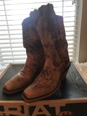 Ariat size 7 1/2 women's boots. for Sale in Pflugerville, TX