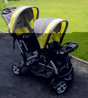 Babytrend double stroller for Sale in Deltaville, VA