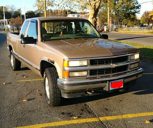 1997 Chevy Silverado k1500 for Sale in Bridgeport, CT