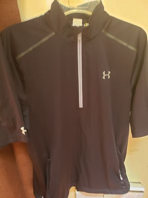 Under armour mens short sleeve wind breaker size large for Sale in Knoxville, TN