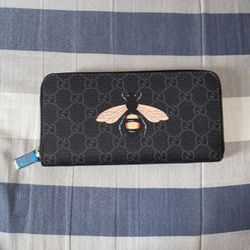 Gucci Zip up Wallet for Sale in Ceres,  CA