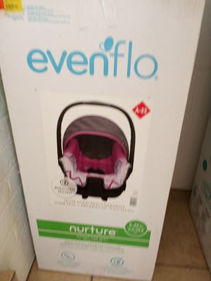 Evenflo baby car seat for Sale in Denver, CO