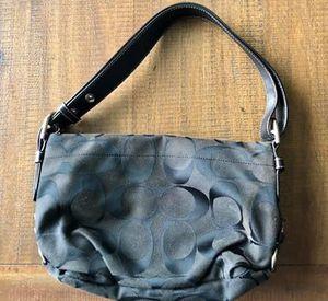 Coach purse - black for Sale in Puyallup, WA
