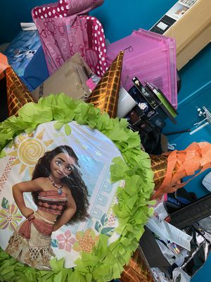 New moana piñata for Sale in Perris, CA