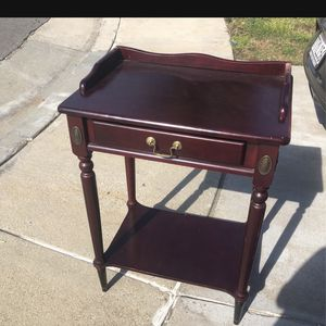 Side Table Or Desk for Sale in Ontario, CA