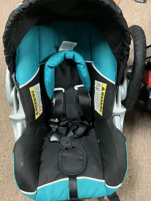 Car seat and stroller for Sale in Waukegan, IL