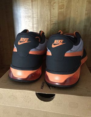 NEW Nike Air Shoes Mens Size 8.5 for Sale in Carrollton, TX