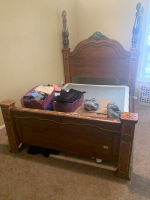 Queen bed for Sale in Pascagoula, MS