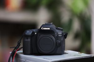 Canon eos 80D. Low shutter count for Sale in Dallas, TX
