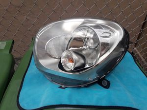 2011-15 MINI COOPER COUNTRYMAN OEM HEADLIGHT for Sale in Hialeah, FL