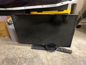 34 inch tv with remote for Sale in Bonney Lake, WA