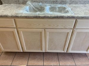 Kitchen cabinet 6ft for Sale in Los Angeles, CA