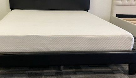 Queen size platform bed frame with 7 inch BedTech Chiropedic Gel Memory Foam Mattress included for Sale in Glendale,  AZ