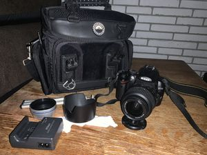 Nikon D5000 bundle ! Great for beginners in photography for Sale in Port St. Lucie, FL