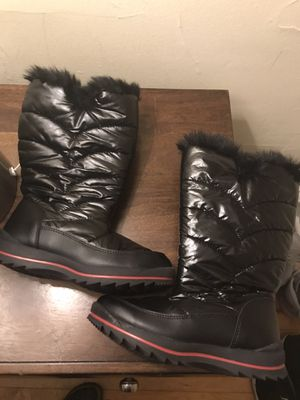 Girls brand new snow boots! for Sale in Milwaukee, WI