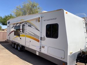 Camper/RV/Travel Trailer/Toy Hauler/2006 Fleetwood Gearbox Toy Hauler 300FS -30' for Sale in Sun City, AZ
